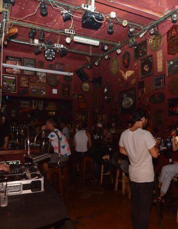 Joey's bar